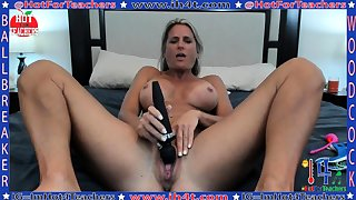Mature masturbate apropos big toy