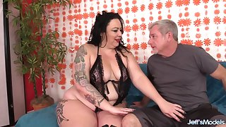 Fat Battle-axe with a Huge Ass Calista Roxxx Gets Licked and Dicked