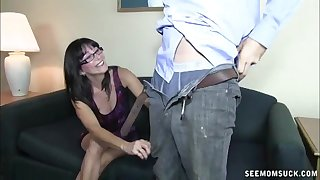 Mature involving gasses drops on her knees to make him ejaculate