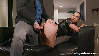 Complete whore Teressa Bizarre gets put out with duo of her new clients