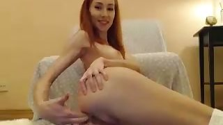 This coed seems groove on such a floosie and you can tell she loves toying the brush ass