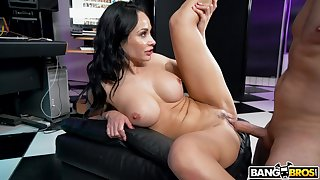 In its entirety MILF Crystal Fall upon owns quite a hot body and she simply loves to fuck