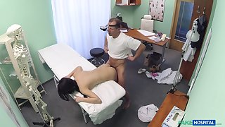 Descendant D. gets to know her horny doctor in an intimate way