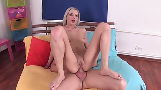 Slutty blonde weasel words teaser likes to have hardcore sex and get the brush tight ass fucked