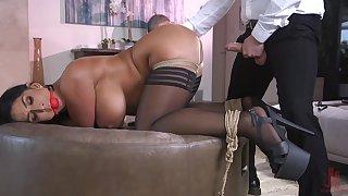 Hot ass wife Raven Hard gets a buttplug during vaginal sex