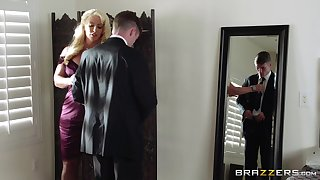 Mature blonde Alura Jenson spreads her fingertips for a younger lover